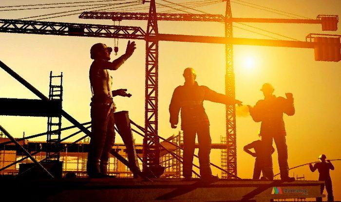 Pengertian Manajemen Konstruksi menurut Kamus Besar Bahasa Indonesia (KBBI) adalah ilmu yang mempelajari dan mempraktikkan aspek-aspek terkait manajerial dan teknologi industri konstruksi. Banyak pakar menyatakan bahwa manajemen konstruksi termasuk modal bisnis dari seorang konsultan konstruksi untuk memberi pengarahan