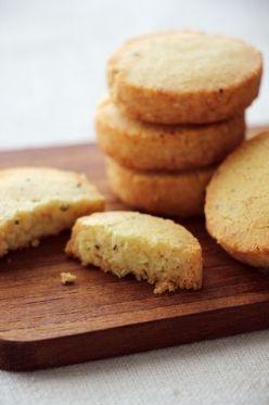 「クセになる塩クッキー、チーズと黒胡椒のサブレ」takacoco | お菓子・パンのレシピや作り方【corecle*コレクル】