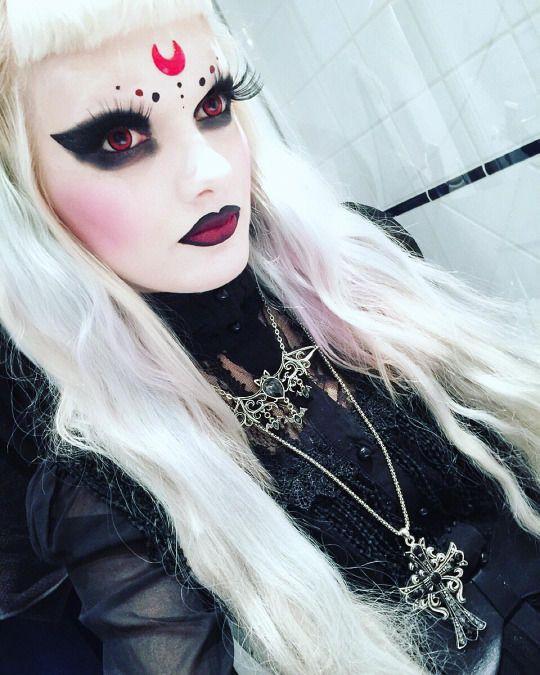 Romance #Goth/ Kawaii Victoria Lovelace