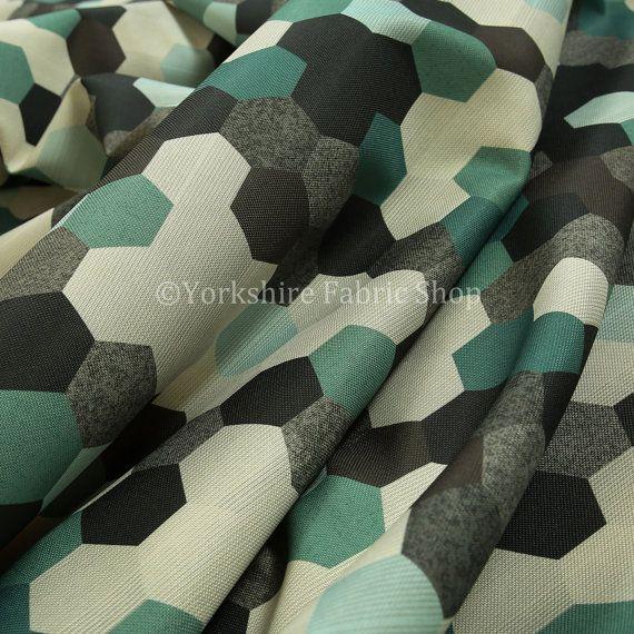 Moderne geometrische zeshoek patroon Print door YorkshireFabricShop