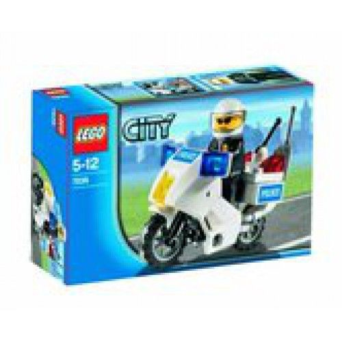 Patrol the streets of LEGO® City! Help keep the streets of LEGO® City safe! The police officer travels around on his motorcycle, keeping an eye out for crooks, speeders and people in trouble. What will be his next adventure? * Includes police officer minifigure.
