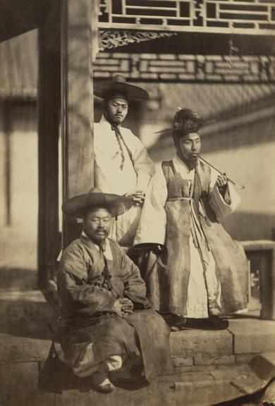 """One of the earliest photographs depicting yangban Koreans, taken in 1863."""