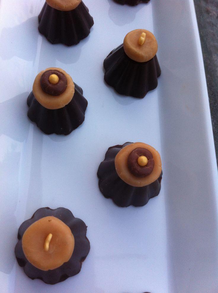 Bailey bonbons: pure cholade gevuld met een ganache van Baileys, melkchocolade en room