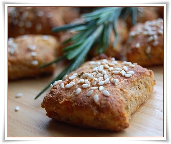 mini rosemary and carrot scones