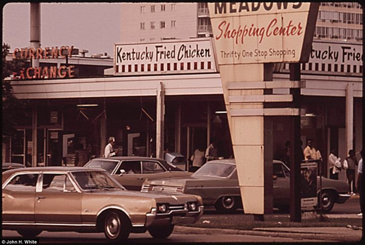 chicago in the 1970s - this is now a DUNKIN DONUT.