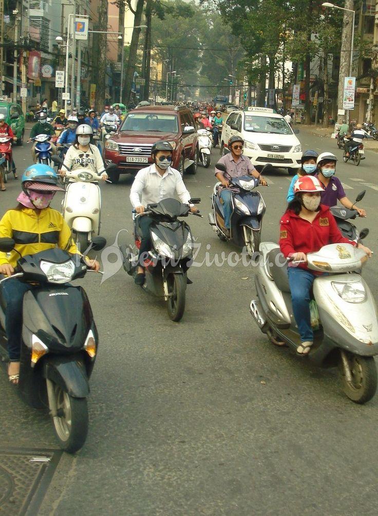 Chystáte se do Vietnamu, nebo jiné asijské země? Přečtěte si 29 tipů pro pohodlné a bezpečné cestování na skútru, které jsou ověřené na vlastní kůži :-) #vietnam #cestovani #korenizivota www.korenizivota.cz