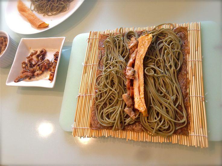 making SOBA ROLLS! boiled soba noodles, baked egg , eel ...  蕎麦ロール作り♪