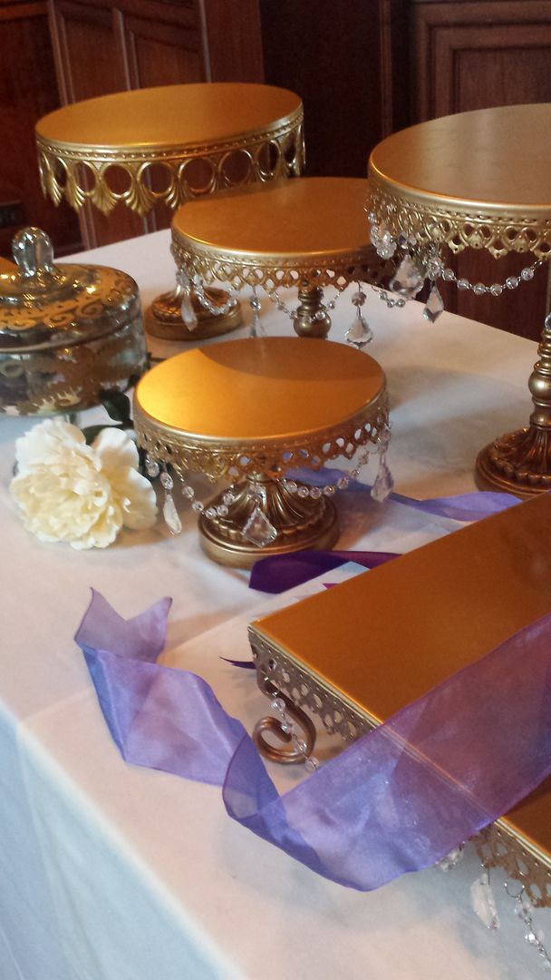 Gorgeous Cake Plates for Wedding Dessert Buffets! Oppulent Treasures Gold & Silver & Crystal Cake Plates for Wedding Decor Rentals in Minnesota...Minneapolis, St. Paul and Twin Cities Metro Area. Wedding Reception Decor in Minnesota for Wedding Cakes, Donut Displays, Classic and Elegant Dessert Displays for Weddings