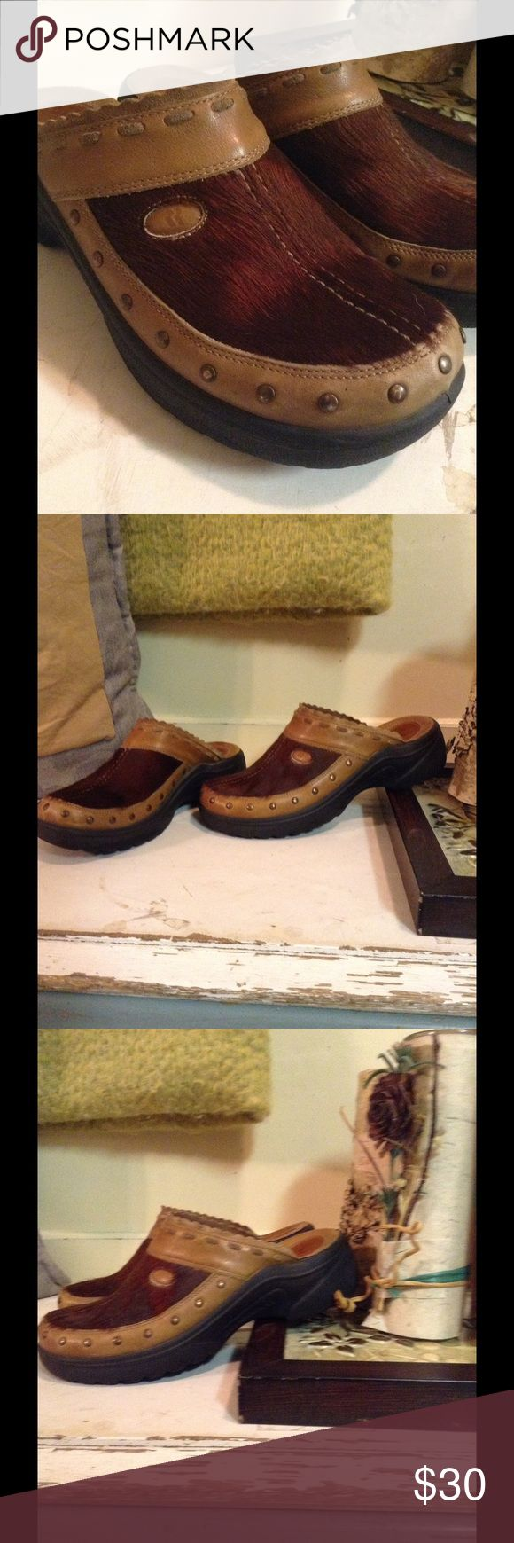 Romika leather clogs Pony hair upper, all leather clog, very clean, worn twice, rubber antishock sole. Romika Shoes Mules & Clogs