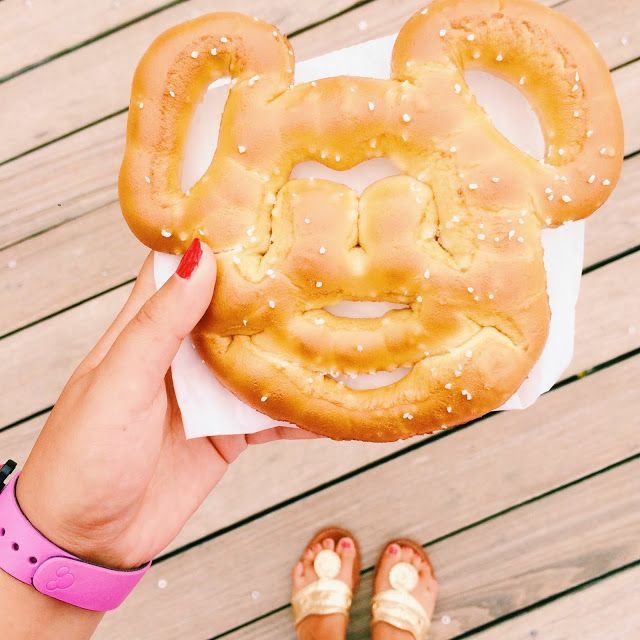 The Disney Prepster: 8 Foods You NEED To Try at Walt Disney World!