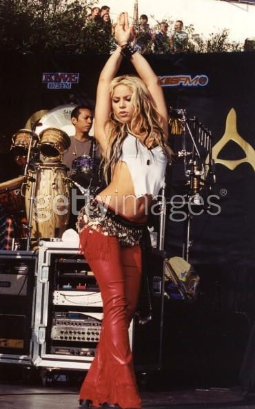 44 best Shakira images on Pinterest | Shakira mebarak Artists and Celebrities
