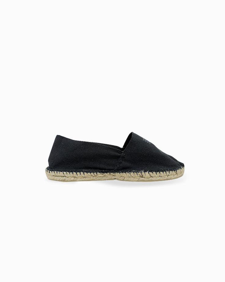 Black espadrilles by Arropame... #arropame #conceptstore #bilbao #fashion #moda  #cashmere #fw2015 #musthave