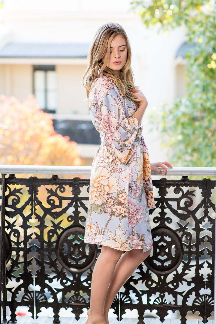 Audrey Silk Kimono Robe | Knee Length - Ivy & Matilda #kimonorobe #weddingday #weddinginspiration #weddinginspo #silkrobe #bridesmaidrobe #briderobe #weddingrobe