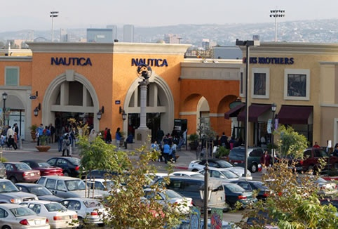 Find all of the stores, dining and entertainment options located at Las Americas Premium Outlets®.
