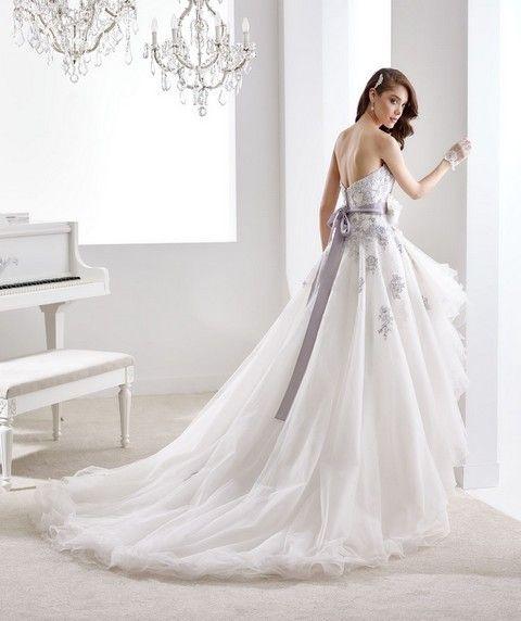 SV40a Svadobné šaty Nicole Svadobný salón Valery