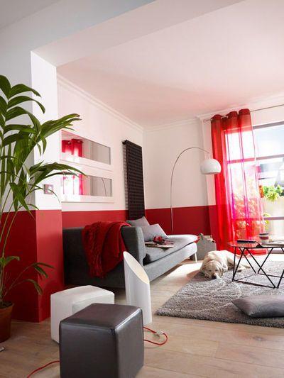 relooking facile salon comment associer les couleurs des coussins tapis papiers peints