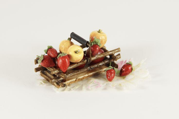 Strawberry Apple Basket