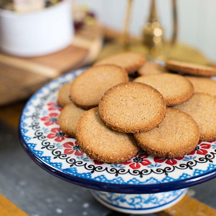 Läckra pepparkakor helt utan gluten, laktos och vitt socker.