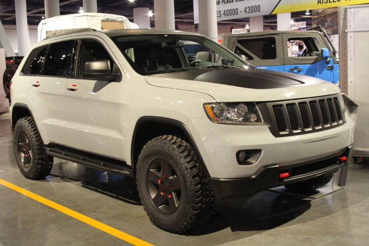 SEMA 2010: Jeep Grand Cherokee gets low-rider, off-road treatment