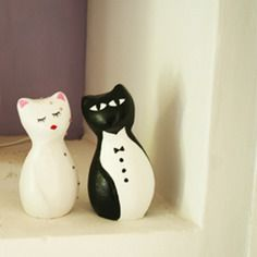 White and black cat sculpture. wedding gift. statue. animal sculpture. handmade creation. decoration. Arts and crafts