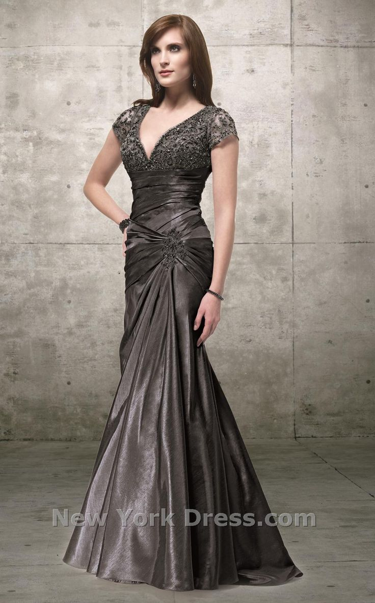 Beautiful!  Someday I'm gonna wear this somewhere fancy smancy!