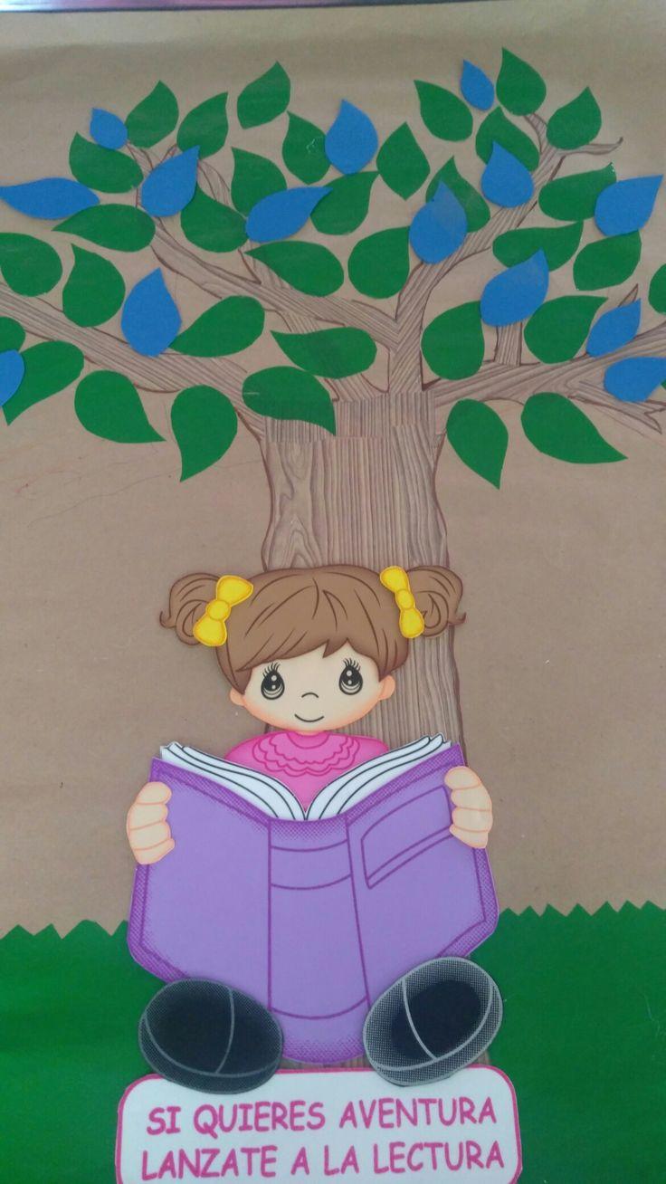 """Árbol de lectura El Programa Nacional de Lectura y Escritura (PNLE) promueve el uso del árbol lector como estrategia para formar comunidades lectoras. Es una forma de motivar a los niños a leer durante todo el año escolar. Así iniciamos su diseño e iremos construyendo, con la lectura, nuestra meta: crear nuevos lectores. Primer grado """"C"""" Esc. Miguel Hidalgo y Costilla, Nogales, Ver."""