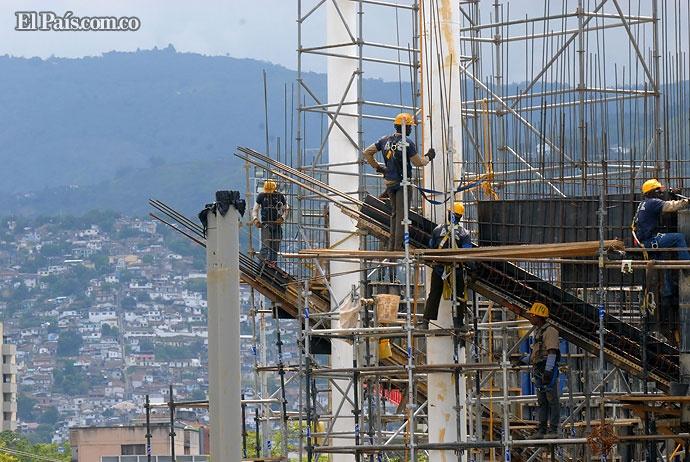 Así van las obras de la cancha de softbol. Uno de los deportes que se realizarán en los Juegos Mundiales. Foto: Jorge Orozco | El País.