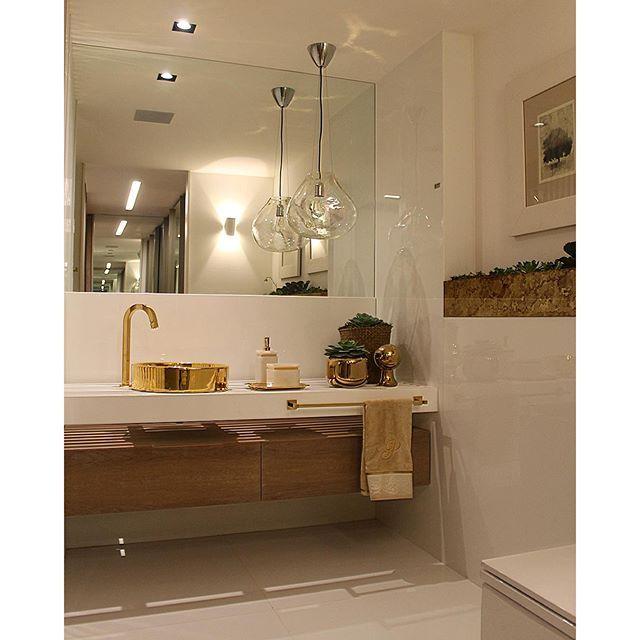 Casa Cor Brasília 2015 repare na Cuba e nos metais dourados (Deca) no banhei -> Cuba Para Banheiro Deca Creme