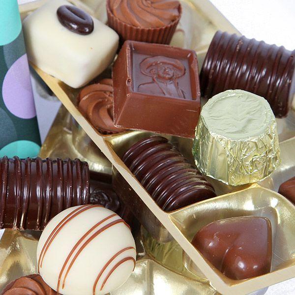 Polka giftwrapped Belgian Chocolates 380g £19.99 #pralines #chocolate #chocolategifts