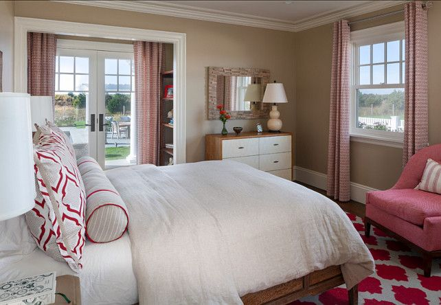 Bedroom. Inspiring bedroom color palette. This color palette is perfect for a teenage girl. It's youthful without being busy. #Bedroom #BedroomIdeas #Colorpalette
