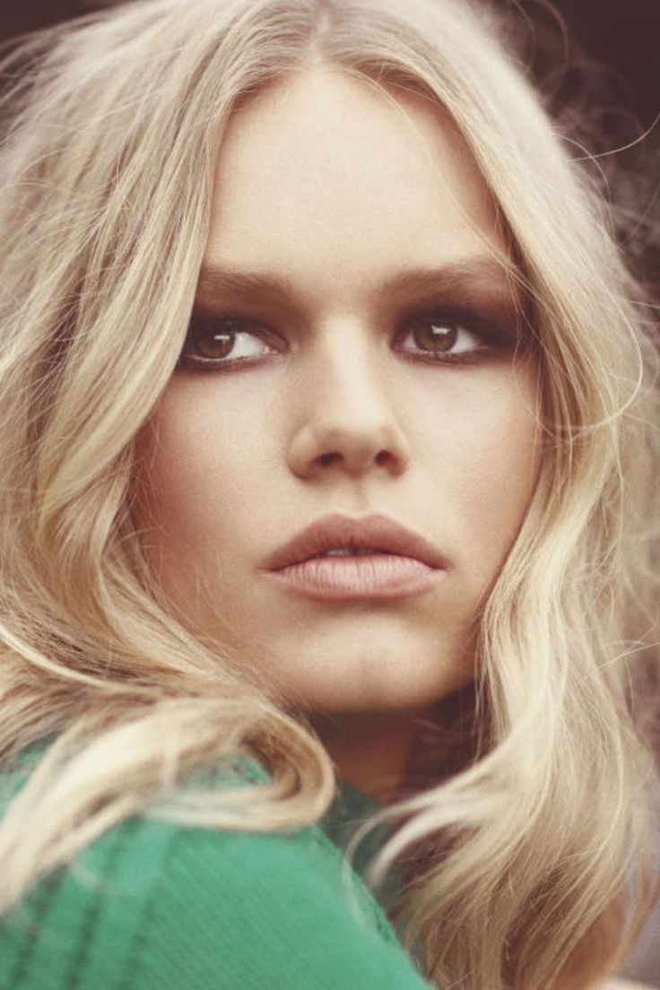 gallery-1428426896-hbz-may-2015-anna-ewers-cover — Postimage.org
