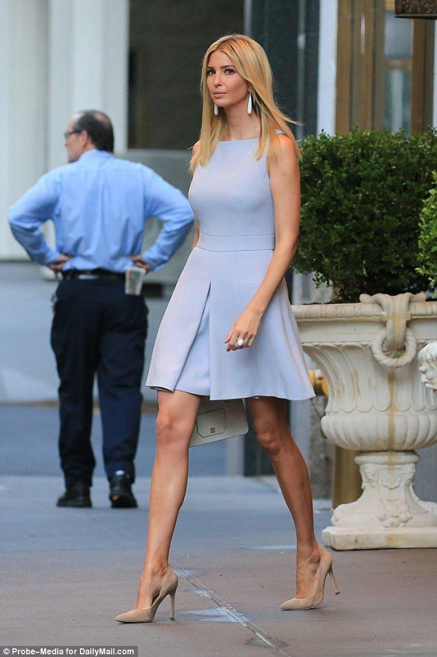 Ivanka Trump Wears A Long Sleeve Dress Despite Sweltering Nyc Heat Ivanka Trump Style Trump Fashion Ivanka Trump Dress