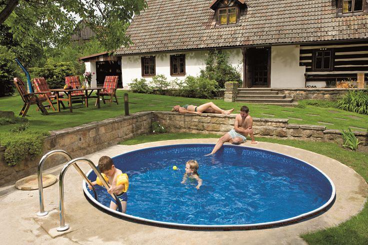 Tento bazén je příkladem bazénu, který je sice nadzemní, ale je částečně zapuštěný do země. Tento druh můžu být libovolně zapuštěný, klidně až po horní okraj okraj. http://www.mountfield.cz/bazeny-azuro #Bazen #Zahrada