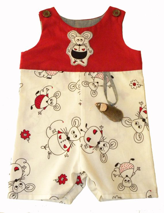 This item is available in a variety of fabrics, message me for a picture of boy's fabrics.