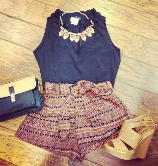 jewels aztec style necklace shoes shorts tribal aztec print t-shirt blouse where to get these shorts? where can i get these shoes flowy shorts