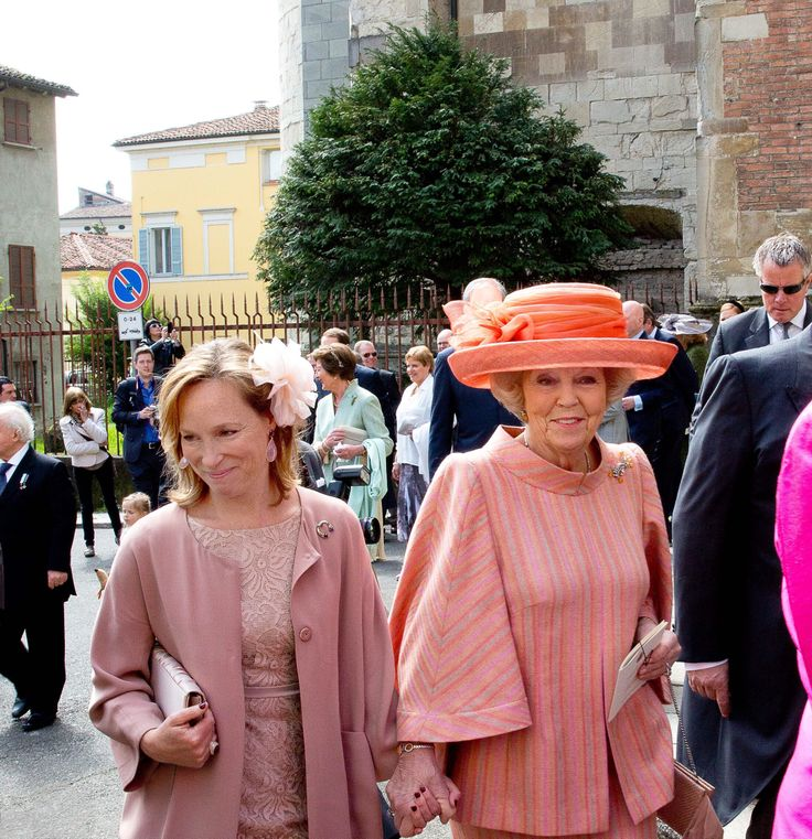 Princess Margarita de Bourbon de Parme wears Addy van den Krommenacker at the baptism of Princess Cecilia de Bourbon de Parme ( on the picture with Princess Beatrix )
