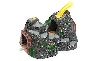 Tunnel d'aventure pour train en bois / 32,99€