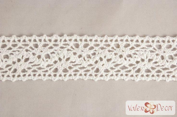 Csipke szalag 25mm x 4,5m - Fehér - Valex Decor Kft. | Virágkötészeti kellékek és dekorációk webáruháza