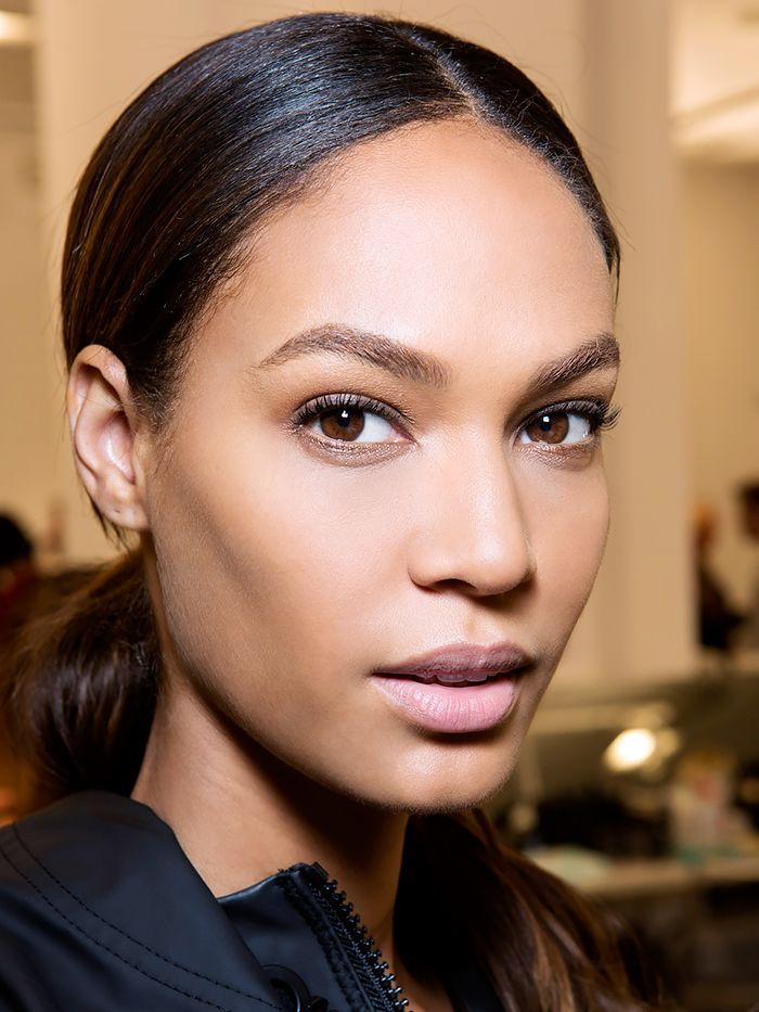 5 Makeup Tricks for Girls With Narrow Faces via @ByrdieBeauty