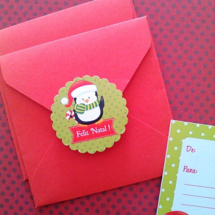Cartões de Natal 7x7 com DE/PARA e espaço para escrever mensagem. <br>Acompanha envelope forrado e adesivo para fechar. <br> <br>*** Pode ser feito com outras artes. Papai Noel, árvore de Natal... *** <br> <br>VALOR PARA PACOTE COM 6 UNIDADES