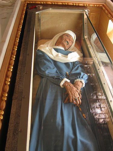 incorruptible body of saints   The incorrupt body of Saint Virginia Centurione.