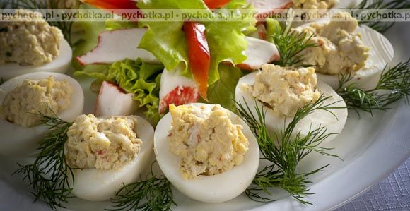 Świąteczne jajka faszerowane pieczarkami