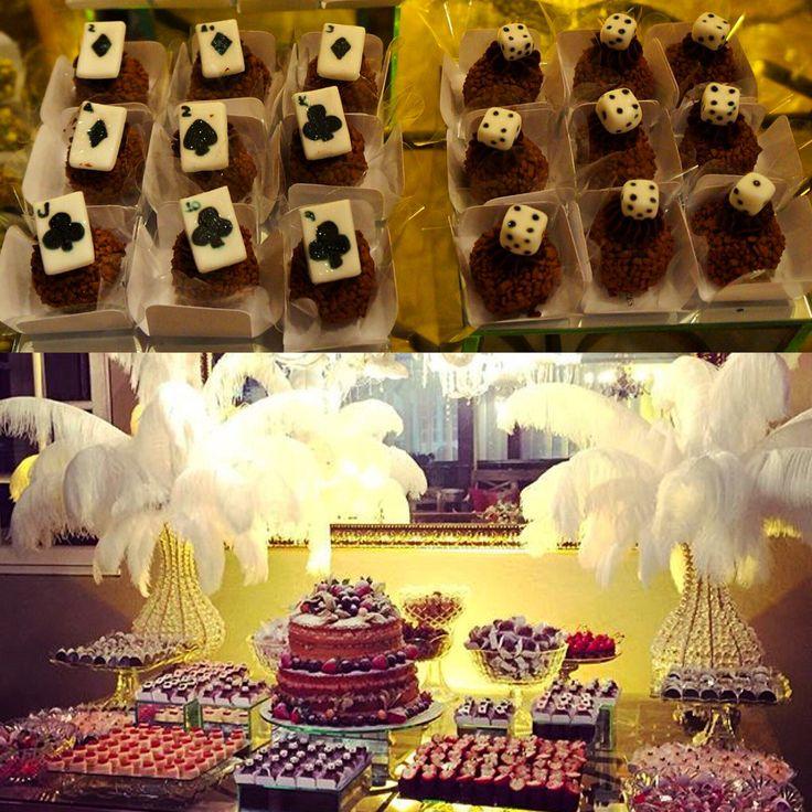 Que tal esse evento inspirado em Las Vegas e nos Cassinos! Doces personalizados do Attelie deixaram essa mesa ainda mais sensacional!!!  #docesfinos #atteliededoces #carolinadarosci #sobremesa #docinhos #casamento #eventos #artesanal #feitoamao #docesgourmet #florianopolis #sweettooth #lasvegas #cassino