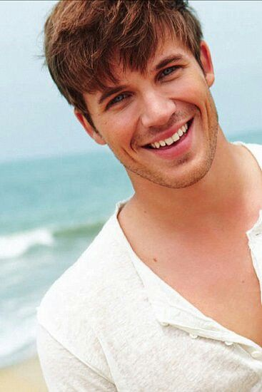 Matt Lanter: English, Polish, Austrian, Scottish, with more distant Irish, German, Ashkenazi Jewish (from Prussia), and Sephardi Jewish.