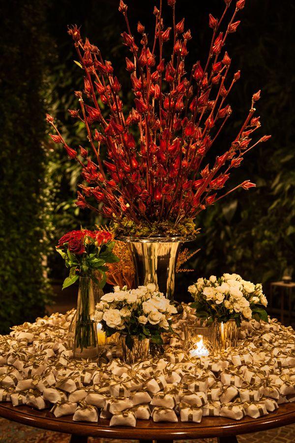 Decoração de casamento em vermelho - Constance Zahn