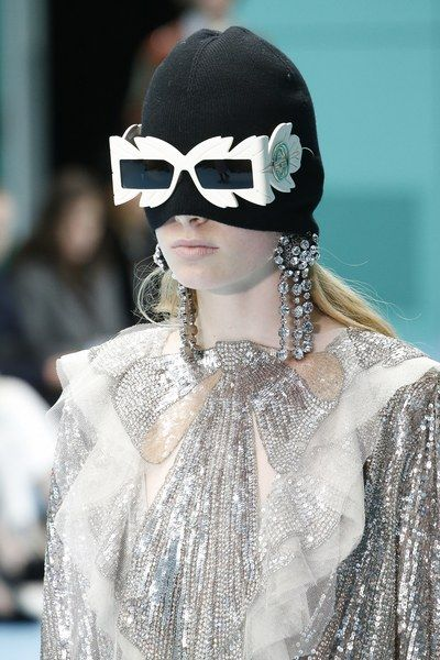 d46c63ea9b3 The complete Gucci Fall 2018 Ready-to-Wear fashion show now on Vogue Runway.
