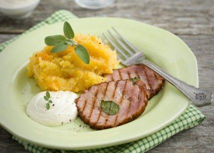 Klassiskt rotmos passar även till annat griskött och till korv och ger mer fibrer, lägre GI och mer smak än vanligt potatismos.