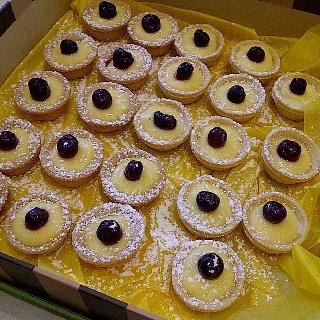 Lemon tarts by the dozens!