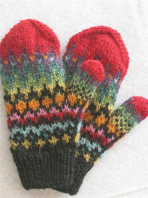 Handtak from Lopi no. 29. #knitting #mittens #pattern