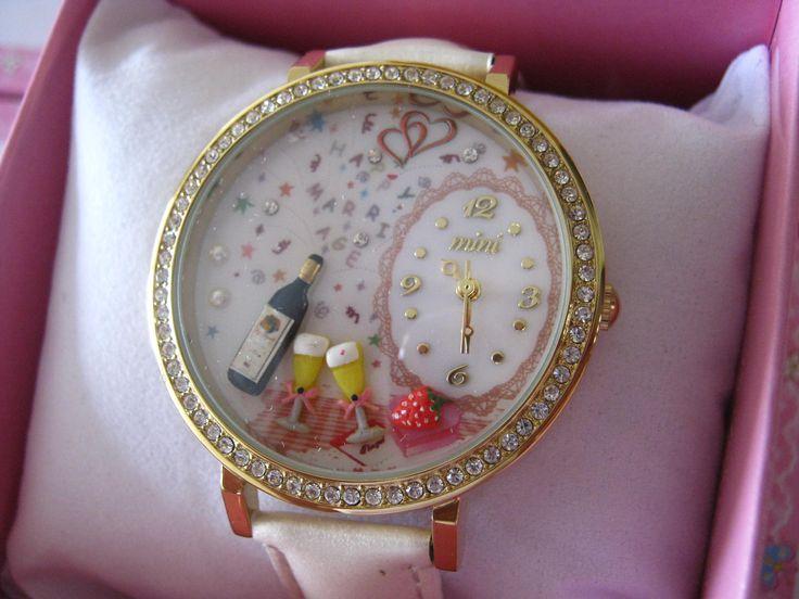 REF.36 Reloj con mini-figuras en 3d porcelana fría.  100% originales, garantía 1 año